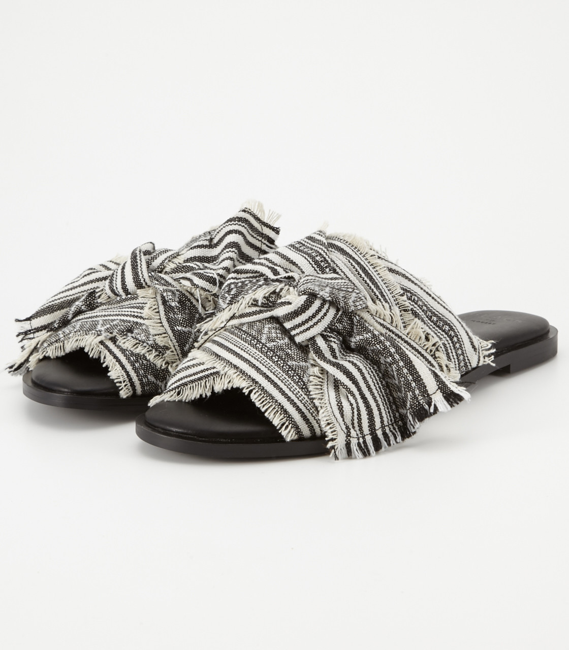 Cloth sandal