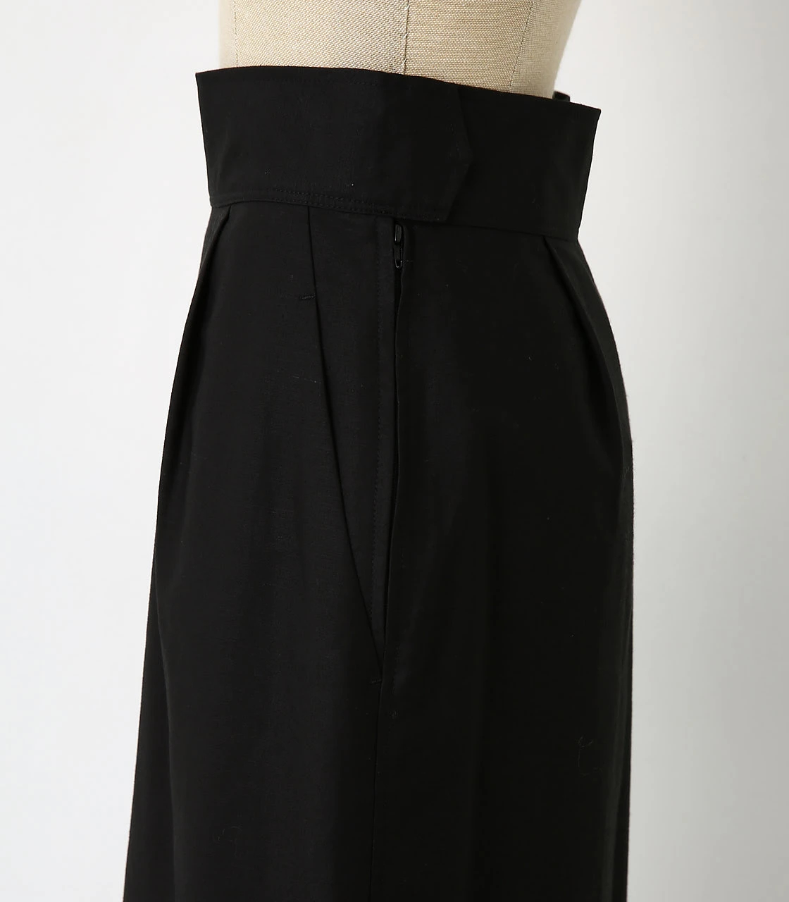 BLACK BY MOUSSY(ブラックバイマウジー) |back satin long sk